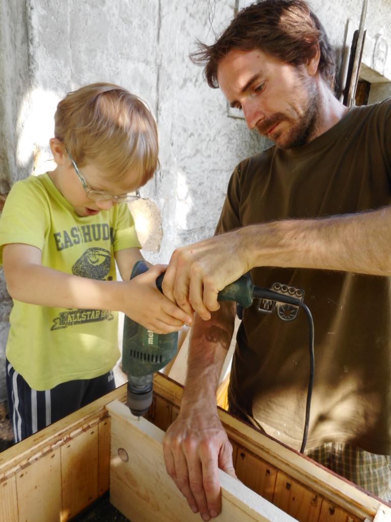 Příprava úlů pro oddělky
